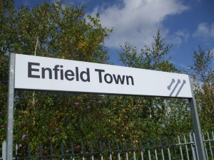 Enfield_Town_stn_signage